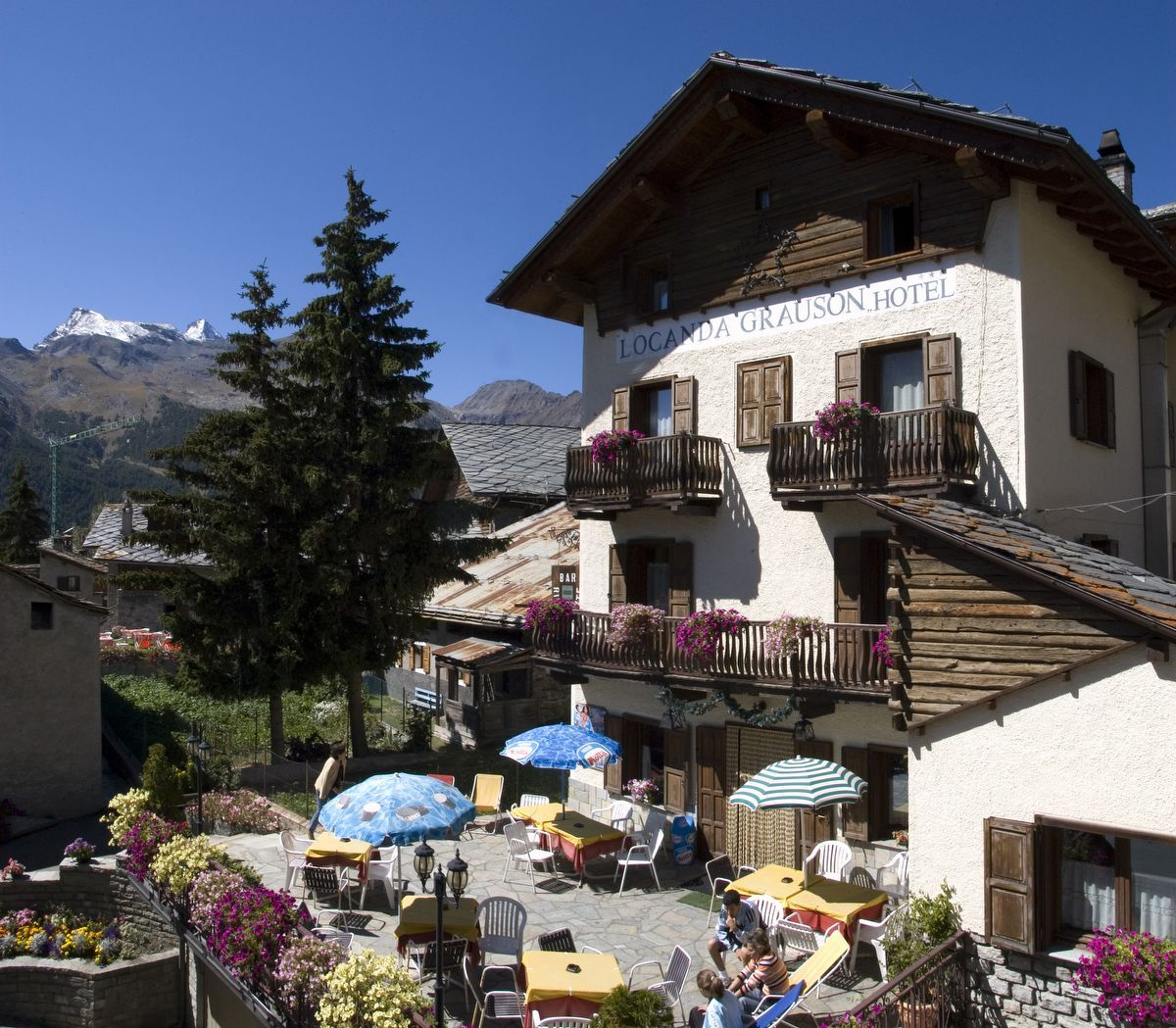 Hotel Grauson Lussert a Cogne in estate