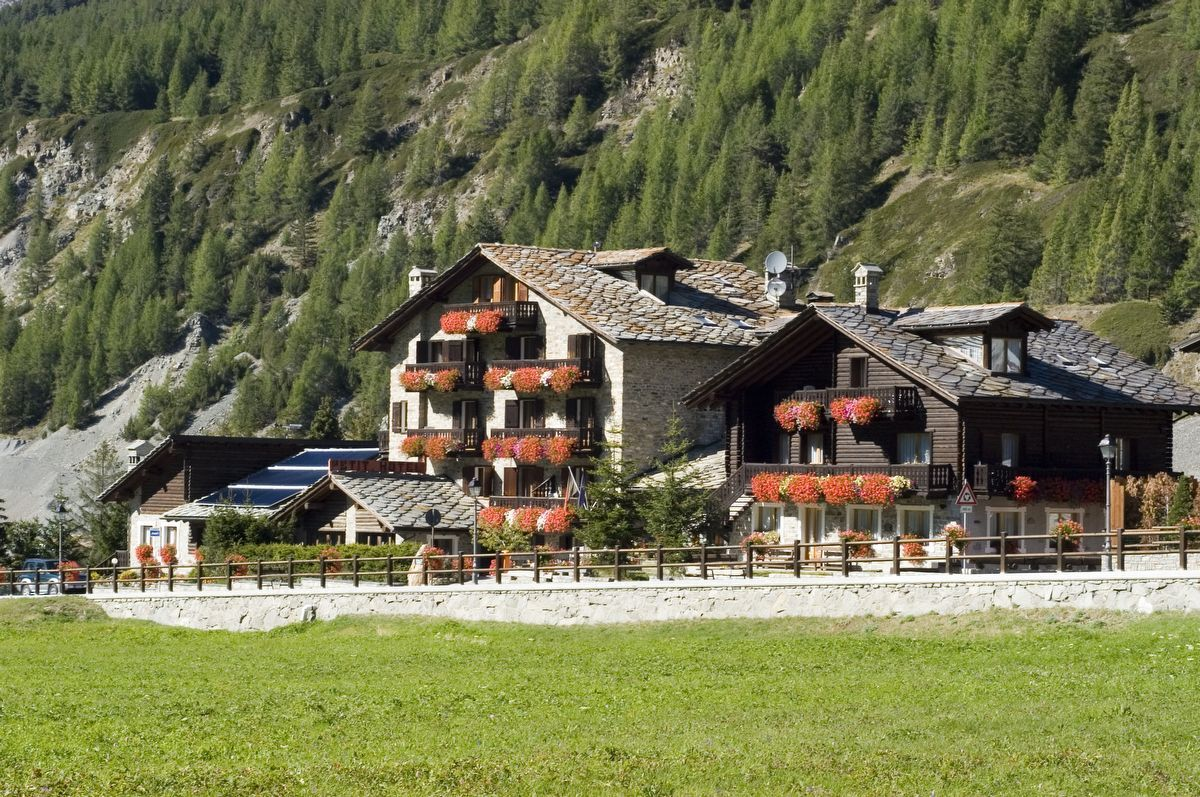 Hotel Petit Hotel a Cogne in estate